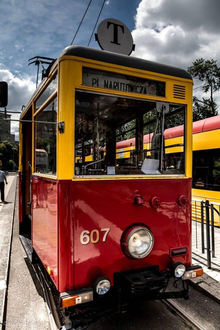 w T tram 2